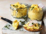 Рецепта Яйчен пастет с извара и майонеза